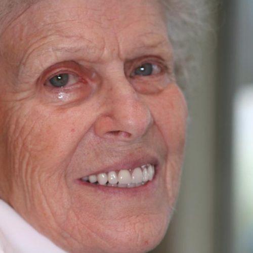 Denturist Teresa Waite